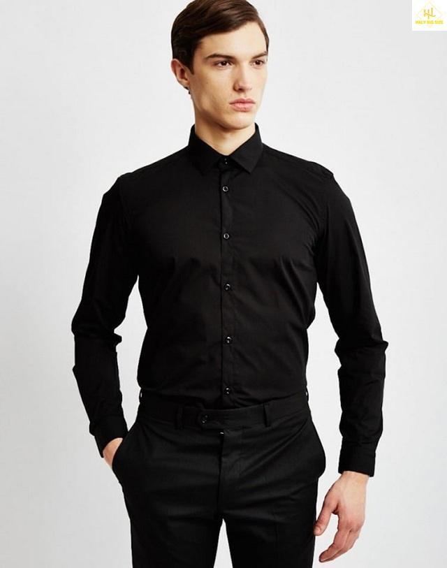 Áo sơ mi đen kết hợp với quần tây đen
